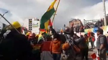"""Los potosinos de la """"caravana de la democracia"""", recibidos como héroes en la Villa Imperial"""