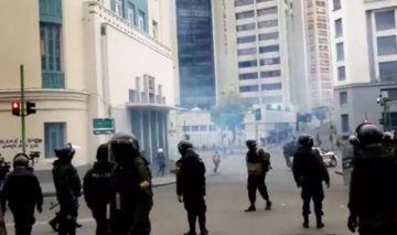 Continúa la tensión en el centro de La Paz