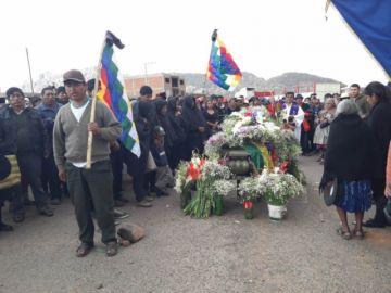 Betanzos: Entierran a comunario fallecido por impacto de bala