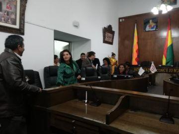Sesión para tratar renuncia de Arciénega entra en cuarto intermedio