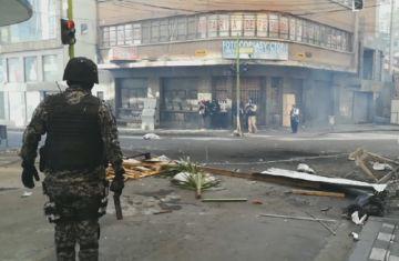 En vivo: Policía dispersa a manifestantes en La Paz