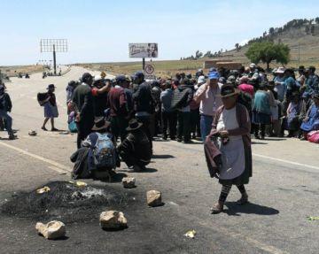 Campesinos y Aasana acuerdan dejar libre el tránsito al aeropuerto Alcantarí