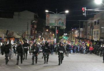 Campesinos cumplieron marcha pacífica y reciben aplausos en Potosí
