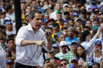 Oposición venezolana se manifiesta en Embajada de Bolivia en respaldo a Áñez
