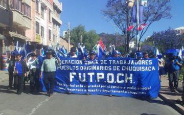 Campesinos de Chuquisaca exigen respeto a Urquizu y mantienen bloqueos