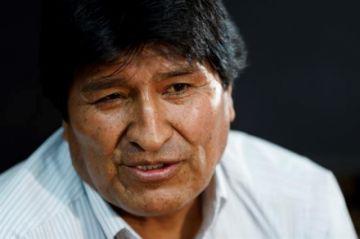 Evo: Cuesta quedarse en México; extraño inaugurar obras, jugar, bailar