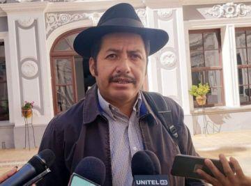 Urquizu reaparece y pide que le dejen terminar su mandato