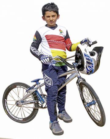 Sueña con ser campeón mundial de bicicross