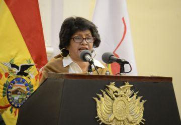 La nueva Ministra de Educación descarta la suspensión del año escolar