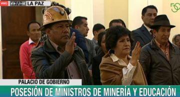 Presidenta Áñez posesiona a dos nuevos ministros