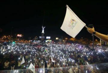 Multitud en Santa Cruz pide paz en Bolivia