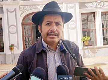 Urquizu dice que ni pensó en presentar su renuncia