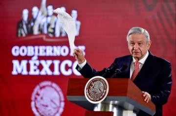 """López Obrador considera una """"mezquindad"""" preguntar el costo del asilo de Evo"""