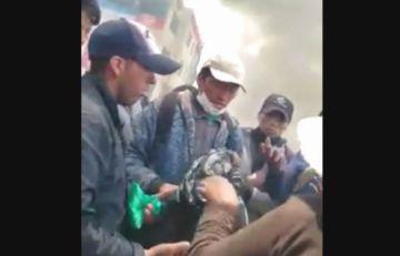 El Alto: Queman cámara y agreden a periodistas de Bolivia TV