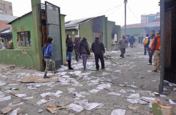 Muere policía golpeado por una turba en El Alto