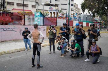 Guaidó no logra renovar protesta contra Maduro