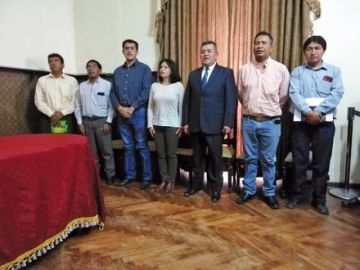 López completa gabinete y posesiona a subalcaldes