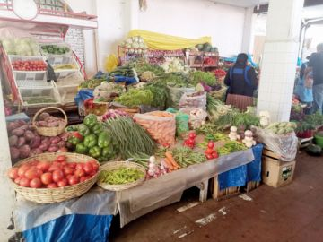 Carencia abre mercado para productos locales