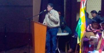 Gobierno firma acuerdo con dirigentes de 20 provincias de El Alto y Fejuve