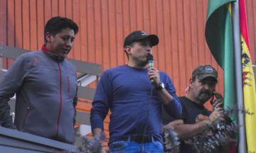 Camacho dice que habló con Pumari para ver si vale la pena o no lanzar el binomio