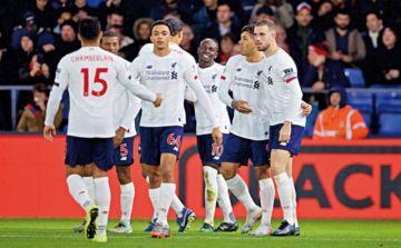 Liverpool con pie firme continúa líder en la Premier