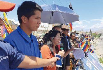 Cochabamba: Cocaleros mantienen los bloqueos