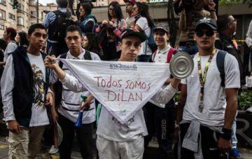 Muere joven víctima de violencia policial y Colombia se conmociona