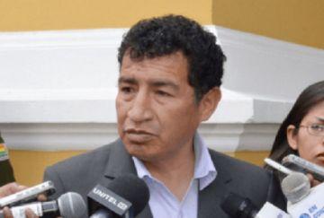 Víctor Borda reaparece y retoma su curul de diputado