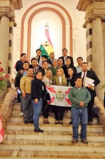 Cívicos piden el retorno de actos por 6 de agosto