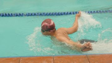 Campeonato de natación convoca a deportistas con discapacidad