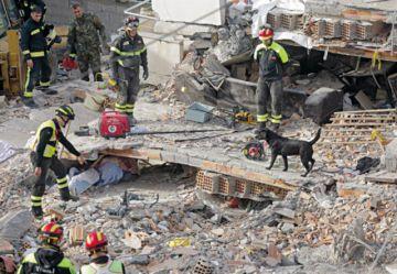 Albania continúa buscando víctimas tras el terremoto