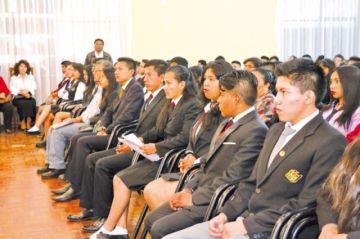 Más de 8.000 estudiantes recibirán diploma de bachiller este año