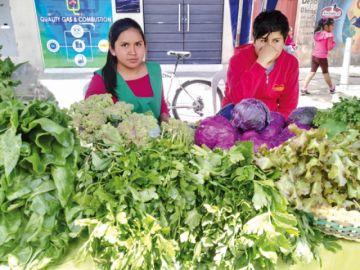 Se agotan productos verdes en penúltima feria del año