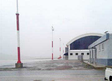 En el aeropuerto hubo suspensión corta por el clima