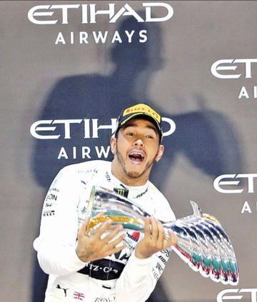 Hamilton festeja su sexto  Mundial en jornada soñada