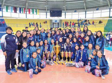 Voleibol premia a los más destacados de la gestión 2018