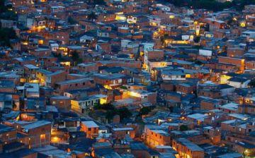 Fiesta en una favela acaba en tragedia