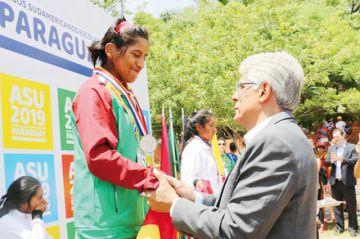Bolivia cosecha primera medalla en los Escolares