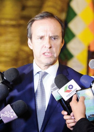 Áñez delega a Quiroga  para denunciar al MAS