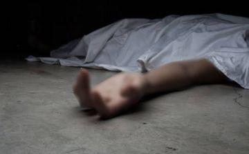 Una niña halla en su casa los cadáveres de sus padres por una nota