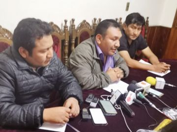 Comité espera a autoridades nacionales