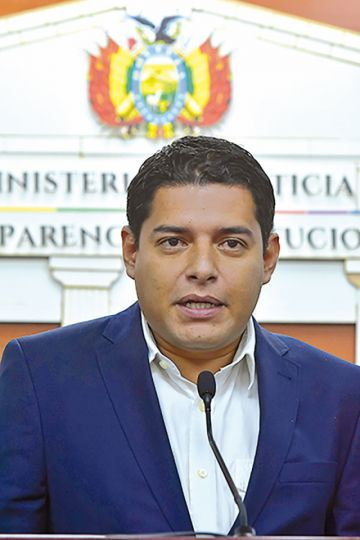 """Alistan plan para retorno de """"perseguidos políticos"""""""