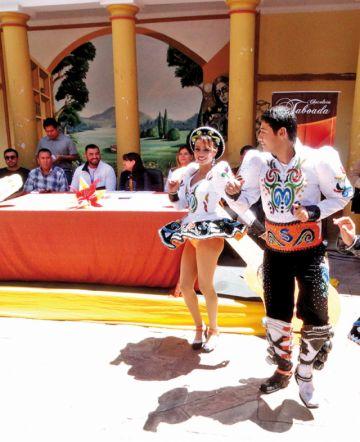Aquí Bolivia y los sambos Churuquella en videoclip