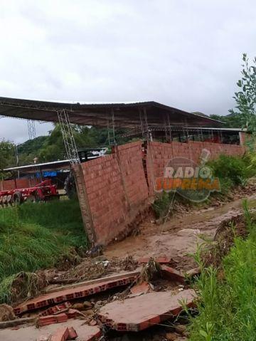 Fuerte lluvia inunda viviendas y calles de Monteagudo