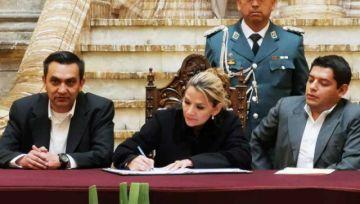 Gobierno decreta indemnización de Bs 50 mil para familias de fallecidos durante la crisis