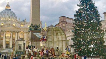Plaza San Pedro ya vive ambiente previo a Navidad