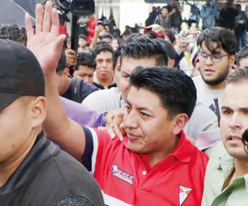 Pumari definirá mañana  si acepta ir con Camacho