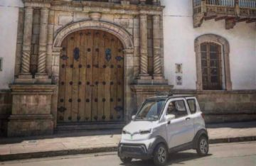 Quantum, el coche eléctrico, irrumpe en la capital