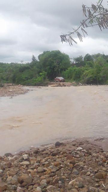 Torrencial lluvia deja daños en Monteagudo