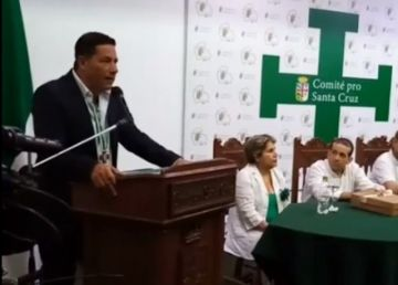 Fernando del Rincón pide a los bolivianos no elegir a un payaso como presidente